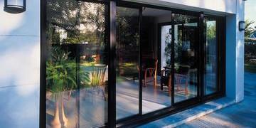 Основные преимущества автоматических дверей для установки в частном доме
